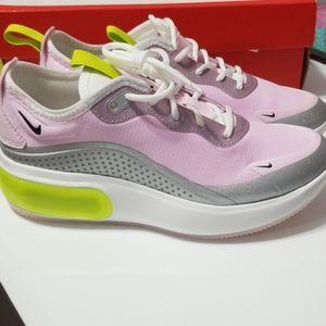 Nike Airmax Dia Size 5.5